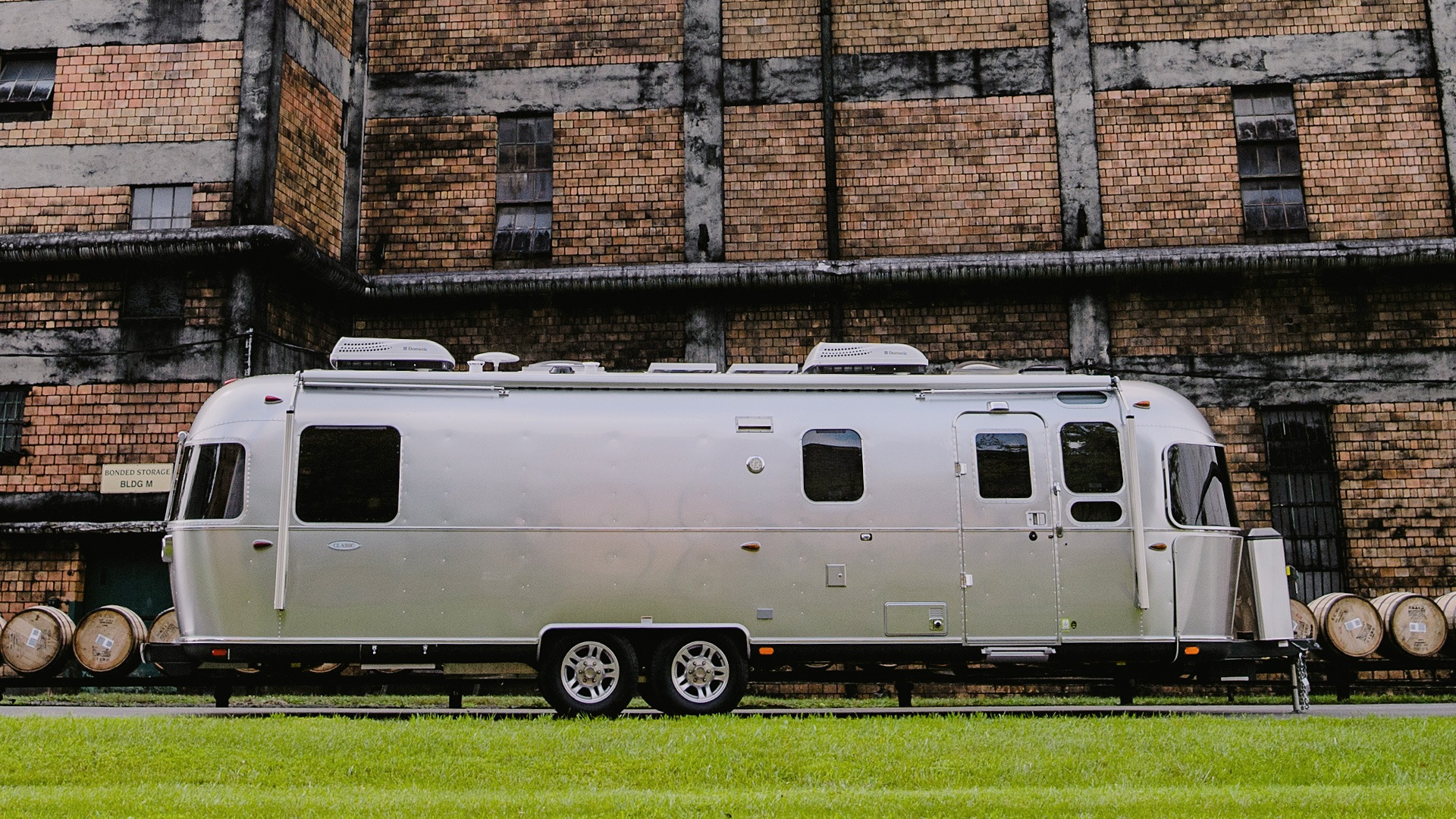 Classic Travel Trailers Airstream